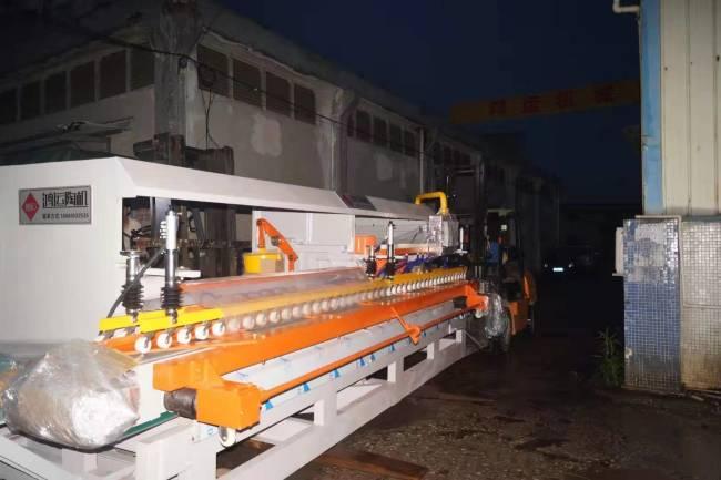 两台岩板加工设备,发往河北岩板加工厂